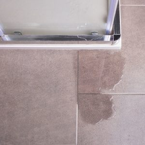 plombier paris fuite d'eau salle de bain